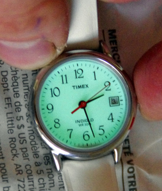 Наручные часы Timex - фирменная подсветка дисплея Indiglo