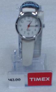 Фотография часов Timex на складе посредника Shopotam