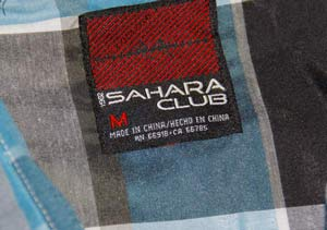 Фирменный лейбл рубашки Sahara Club из магазина Walmart