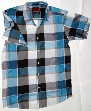 Внешний вид рубашки Sahara Club из магазина Walmart