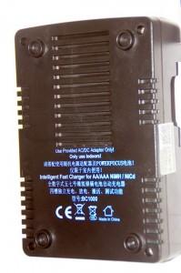 Обратная сторона зарядки PowerFocus BC-1000